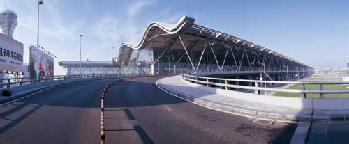 新郑国际机场型材拉弯