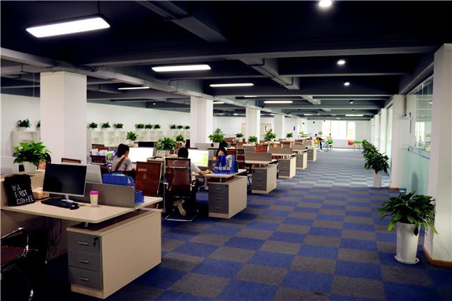 慕蓝开放式办公区