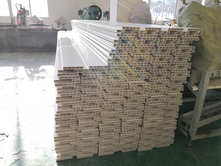 PVC横向结构拉缝板