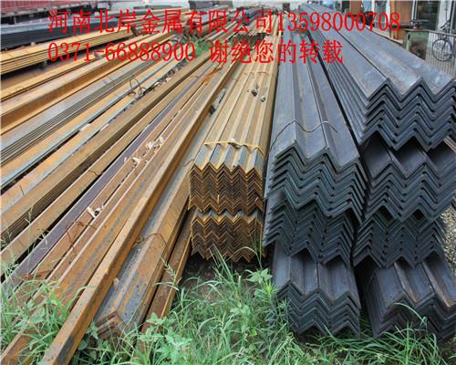 河南角钢厂家讲解镀锌角钢表面为什么会粗糙?