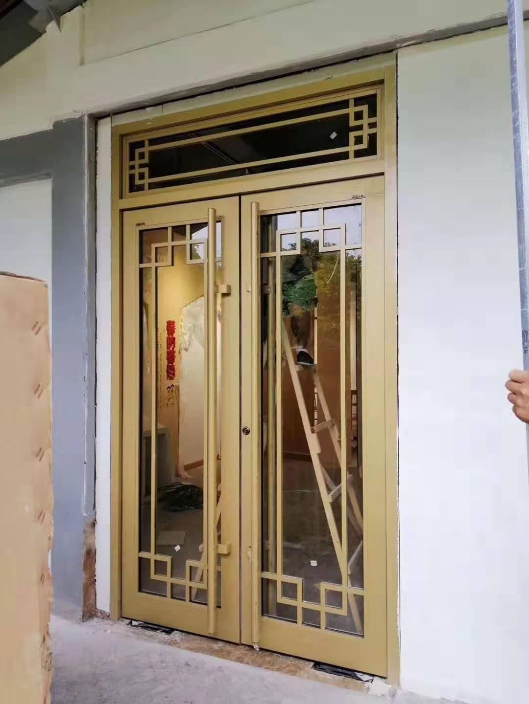 宜昌久益鋁藝窗花門客戶實裝