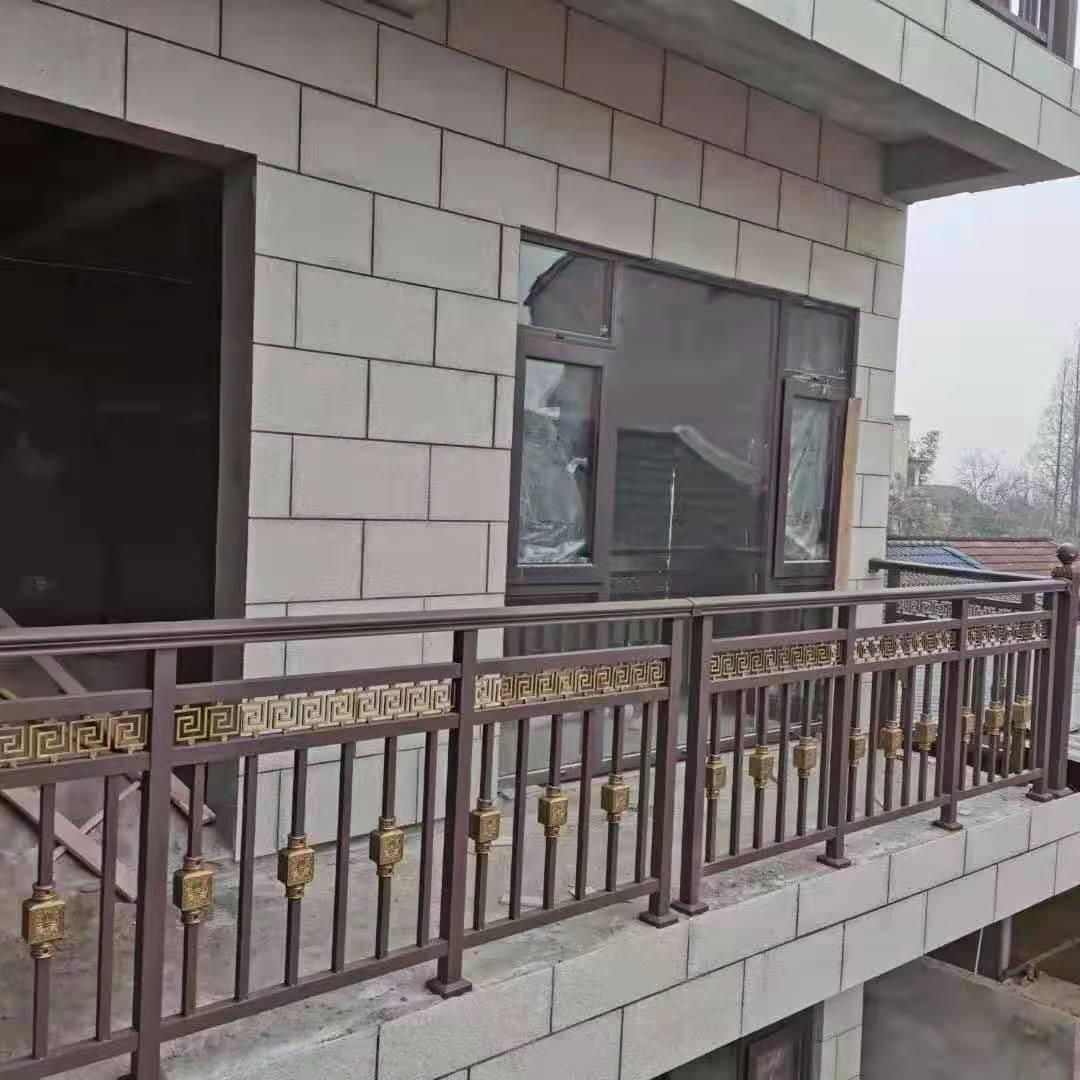铝阳台栏杆安装