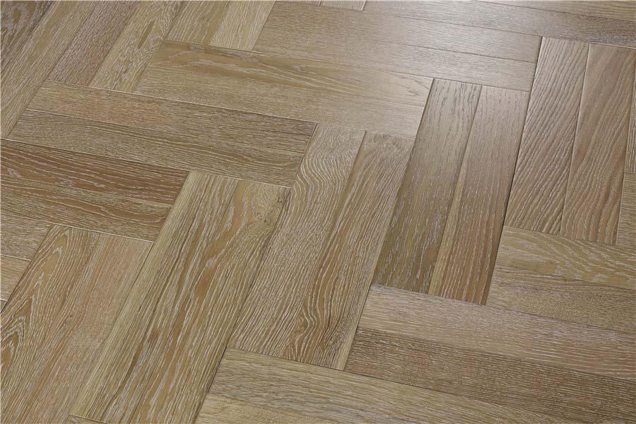 橡木拉丝木质地板定制厂家