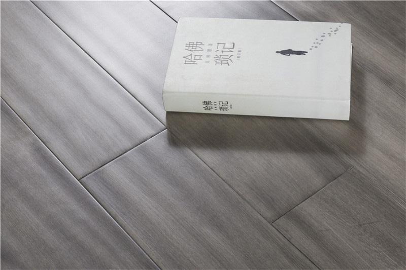 宁夏健身所防滑地板A有人用过宁夏祥泰装饰的木地板吗