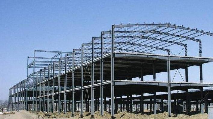 轻钢结构建筑的施工现场