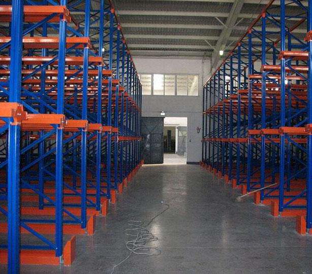 与其他货架相比成都贯通式货架有哪些些储存优势