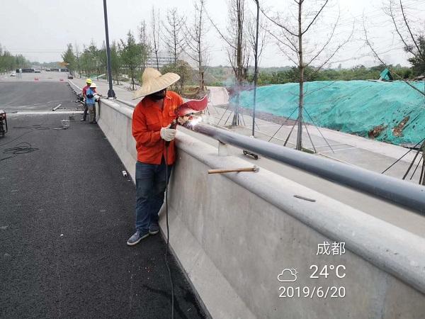 四川交通护栏施工展示