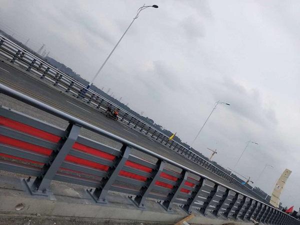 四川防撞护栏