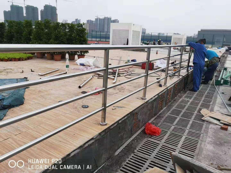 ManBetX登陆观景台不锈钢栏杆