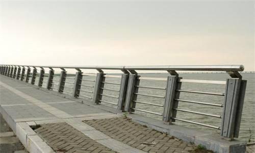 四川桥梁护栏施工