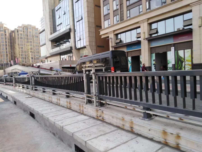 四川市政道路隔离栏