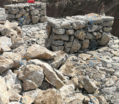 与传统的护坡方法相比,石笼网有以下四大优势获得大众欢迎!