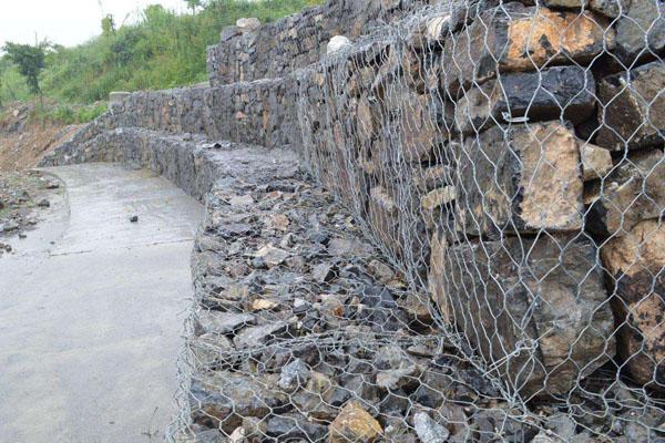 镀锌石笼网是优点有什么?