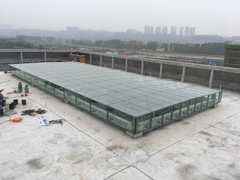 韩城社会福利园屋面网架采光顶施工