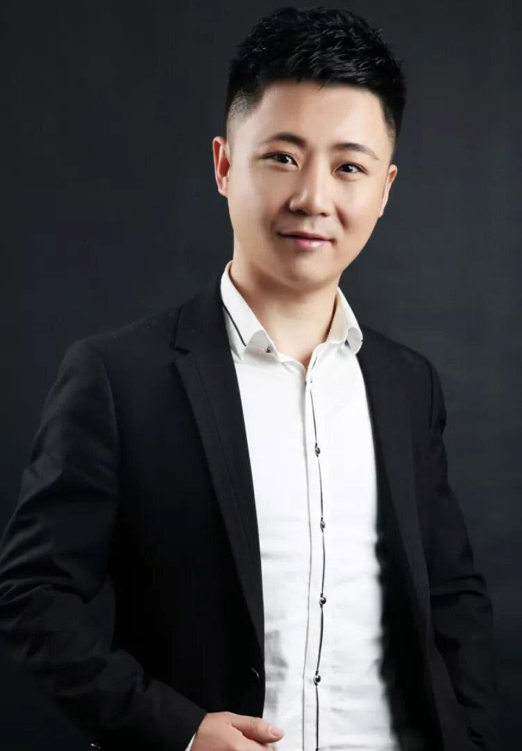 张召-执行校长