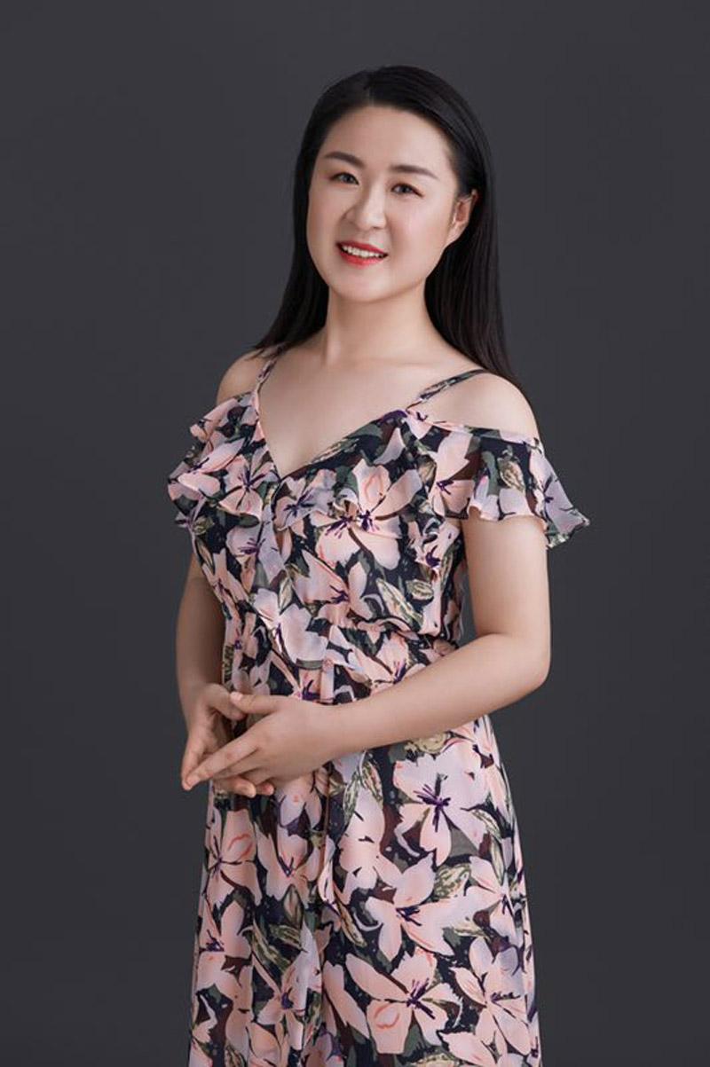 王屏慧-声乐教师