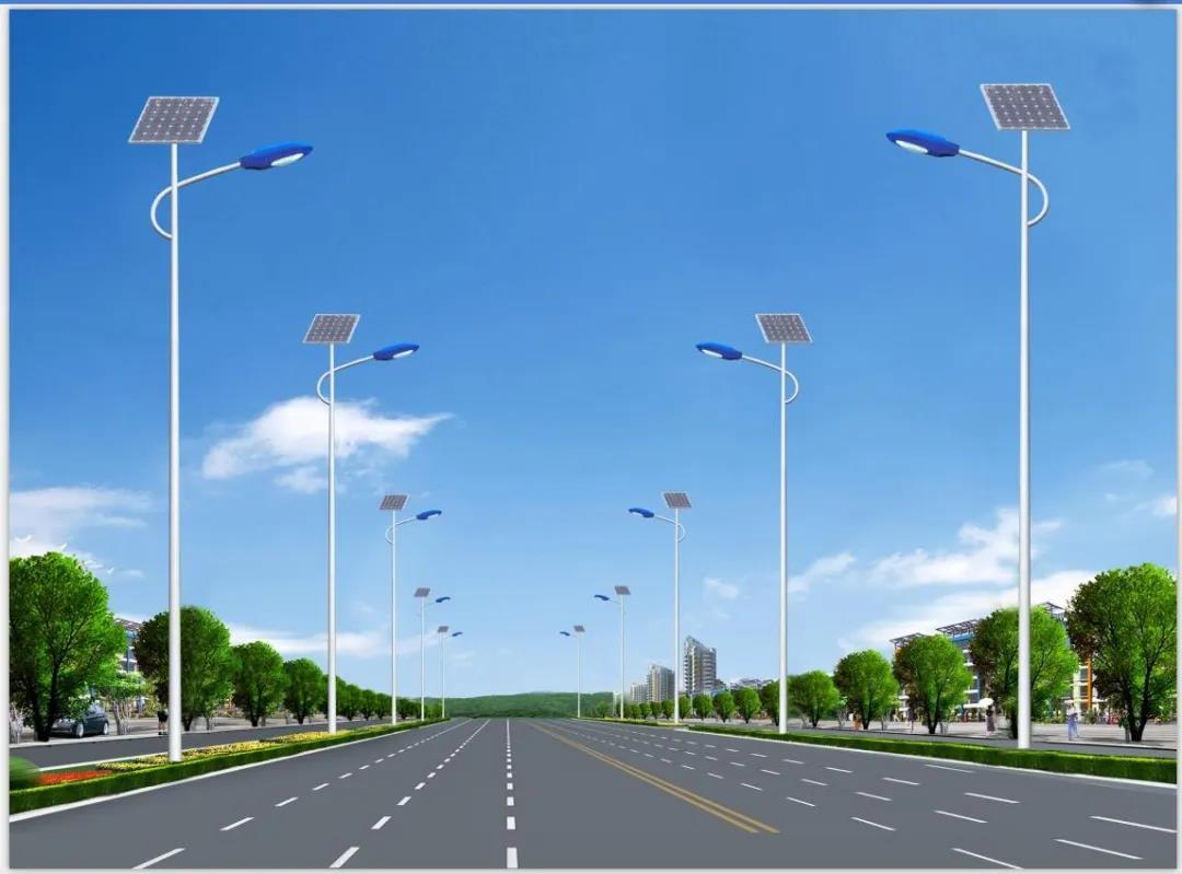 为什么太阳能路灯刚装上亮度不够?