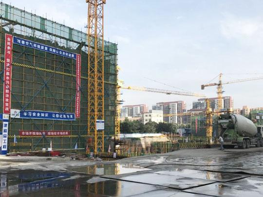 郑州绿都-朗园使用大量的网格布