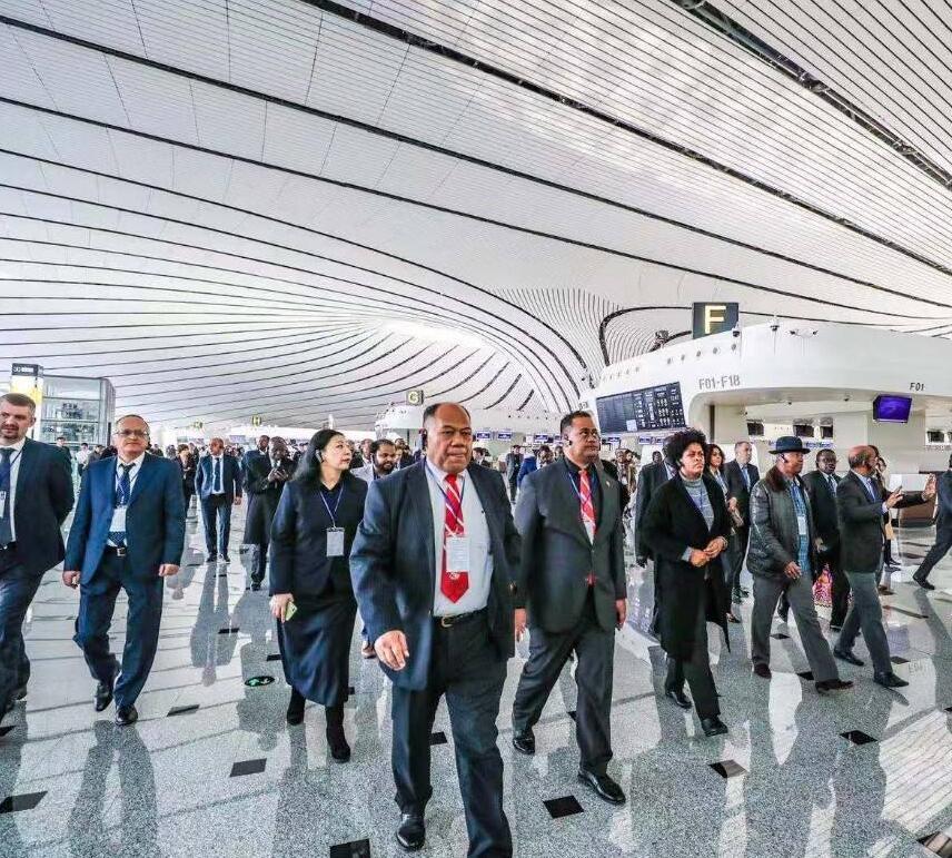 外国驻华使节参访大兴机场:见证了又一个中国奇迹