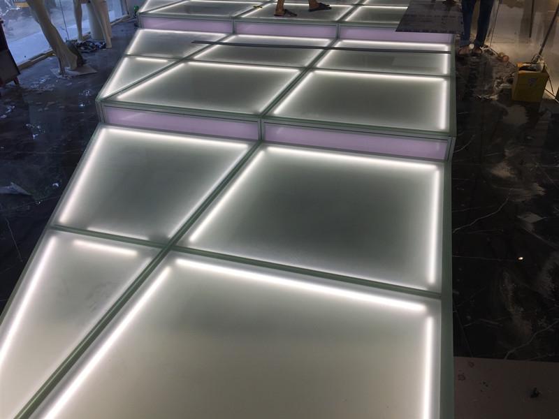 玻璃發光地台