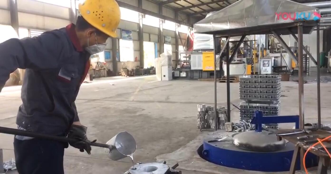 铝合金浇铸零件加工视频