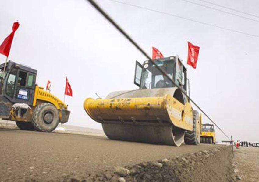 你知道如何预防陕西沥青路面施工后起砂吗?