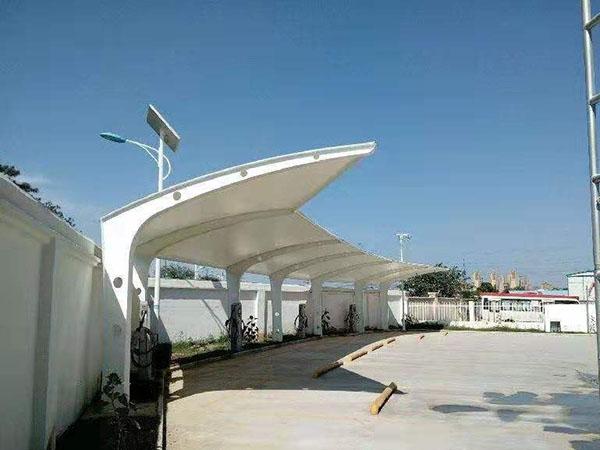 西安东郊御锦城膜结构公交站