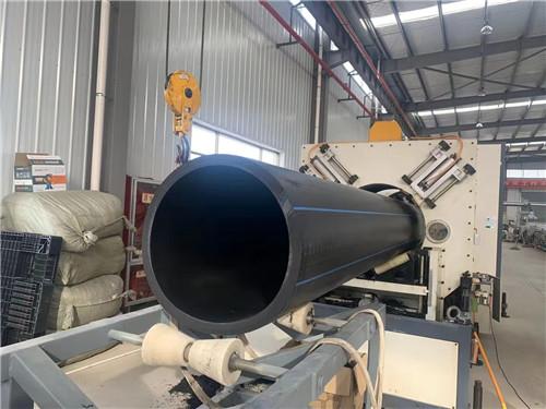 西安通泱塑胶厂家带来HDPE口径800mm生产中