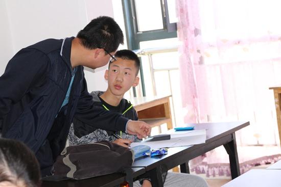 杨泽文同学2017年中考考入兰州一中。