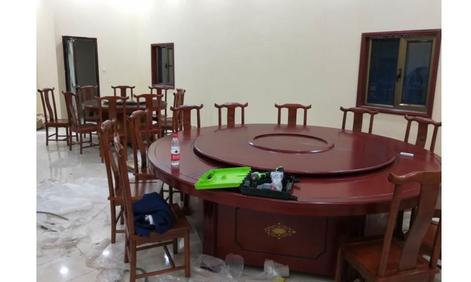 兰州某酒店餐桌椅家具