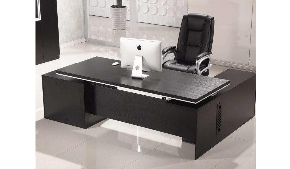 甘肃某企业办公桌