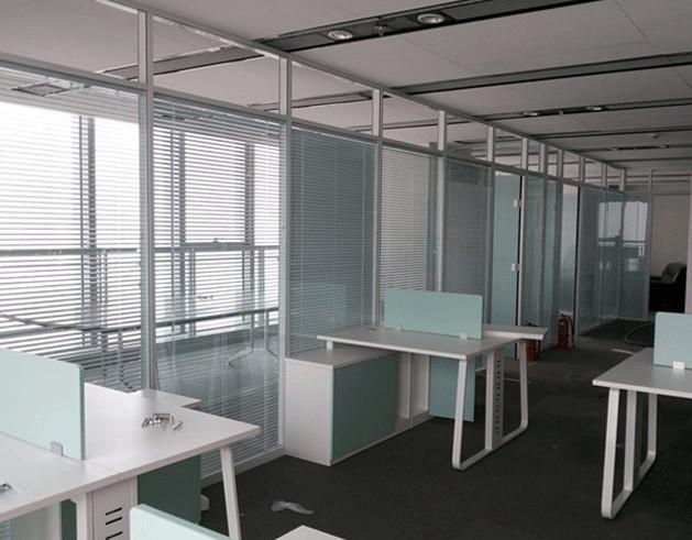 办公室的玻璃隔断需要保养吗?怎么来保养,有什么方法吗?