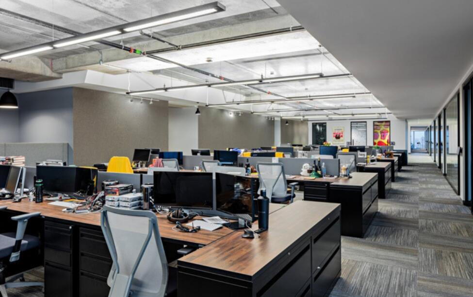 屏风工位的合理摆放使得办公环境更加结构化,快来围观吧!