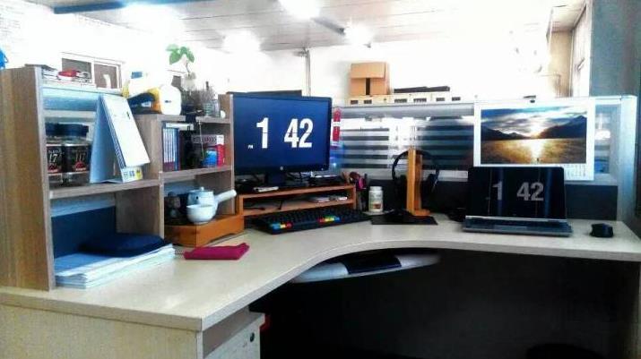 办公桌怎样优雅的布置,才会让人有活力的进行工作