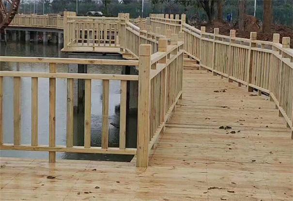 防腐木围栏_户外花园庭院木栅栏护栏厂家