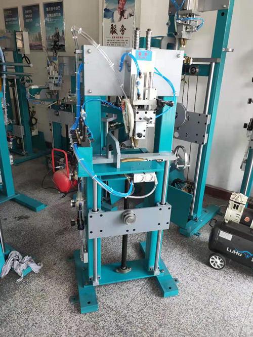 300-1200金刚石锯片气动焊架