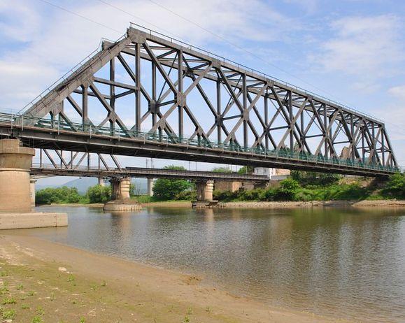钢结构桥梁施工案例