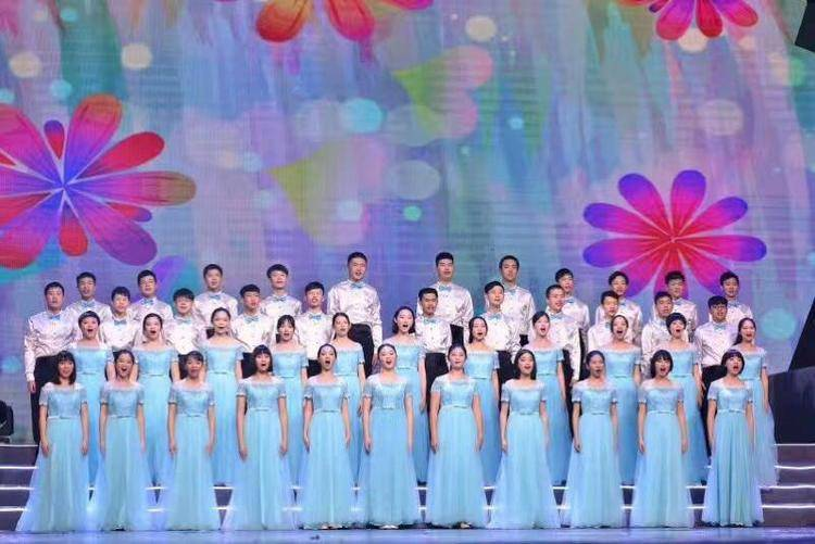 參加第九屆全國大學生合唱比賽