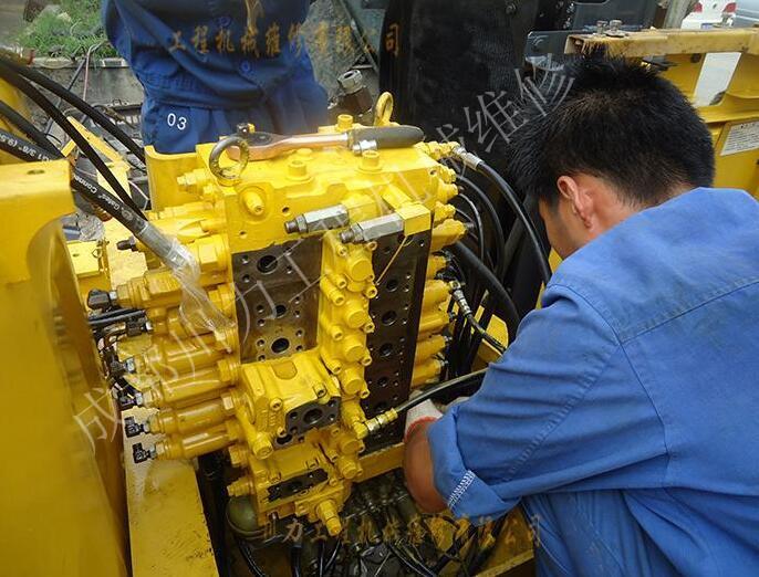 神鋼挖機液壓維修