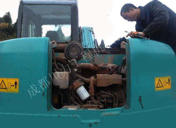 利勃海爾挖機水溫高