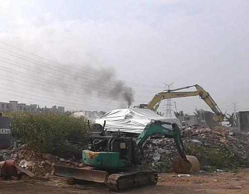 在四川挖掘機冒黑煙可能是什么原因?