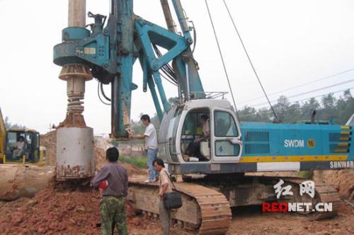 旋挖钻机发动机起动困难