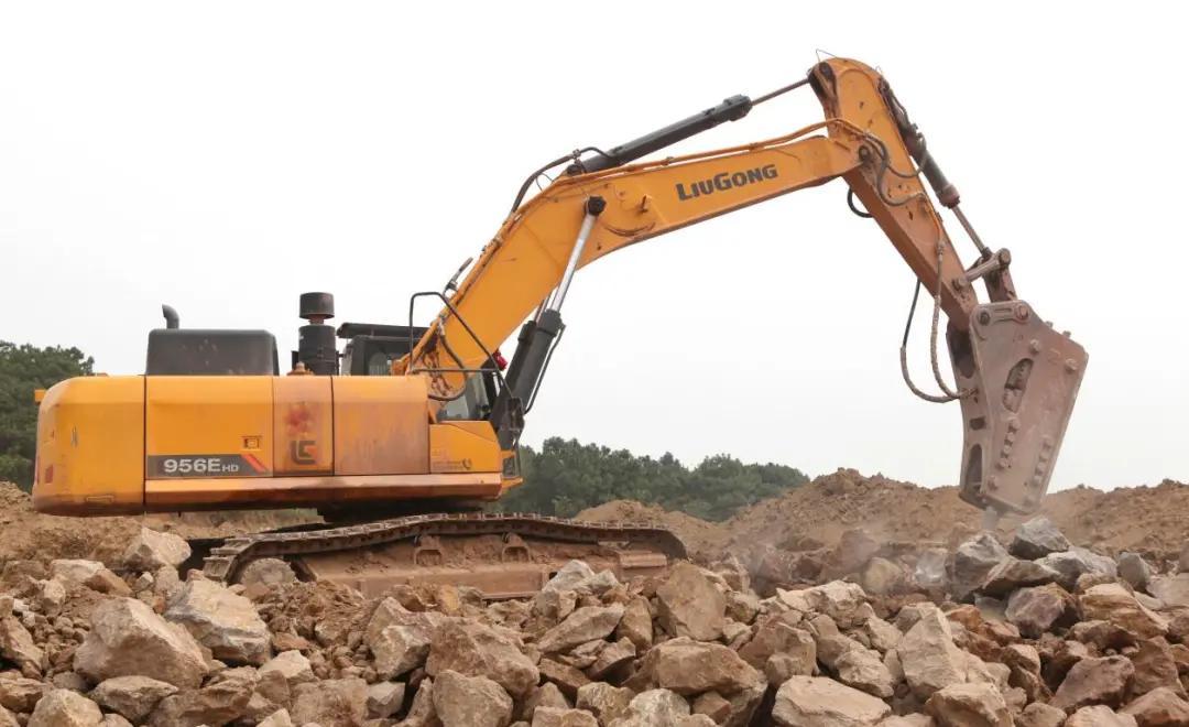 成都挖机打破碎租赁价格