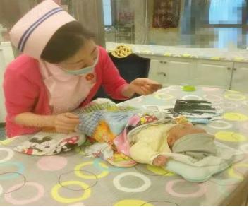 新生儿早期智力开发