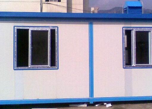 简单地分享2个襄阳活动板房的安装方法!