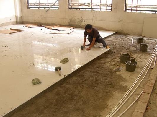 瓷砖粘结剂施工现场