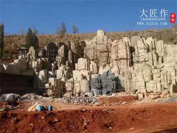成都塑石假山的使用寿命受那些因素的影响?