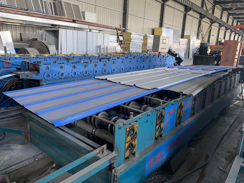 广广彩钢生产折叠箱机器