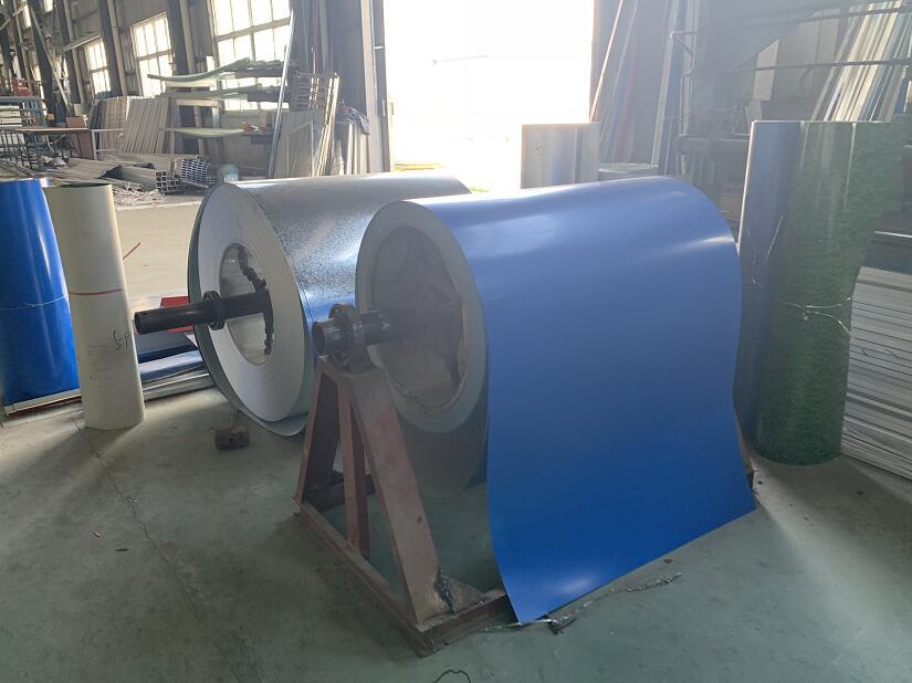 蓝色钢结构材料