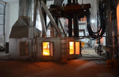 实现碳化硅封闭冶炼,解决了碳化硅在冶炼过程中炉气不能回收的难题